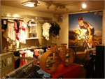 Opening Pearl Izumi Factory Store te Valkenburg