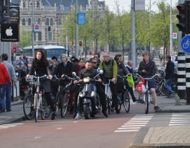 Amsterdam gaat investeren in infrastructuur fiets