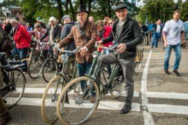 Gazelle doet recordpoging parade klassieke fietsen