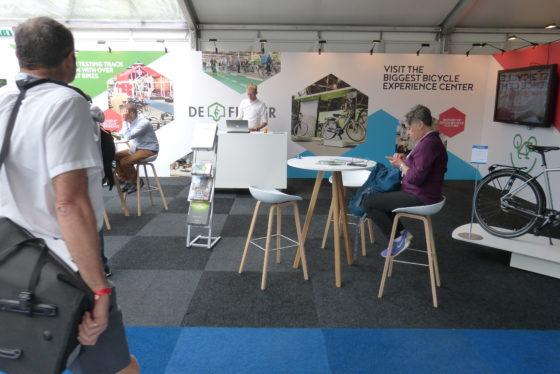 Batavus, Gazelle en Fietsenwinkel.nl zijn sponsors van Velo-city 2017. Foto redactie Tweewieler