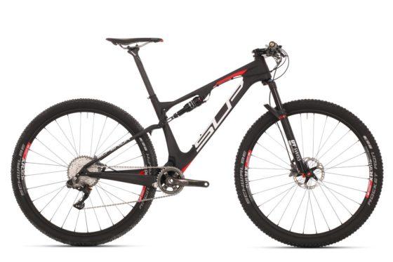 De uitgebreide MTB-collectie van Superior is gepositioneerd in het hoge mountainbike segment. Er wordt gebruikgemaakt van de feedback van een professioneel MTB Team. Foto Louis Verwimp