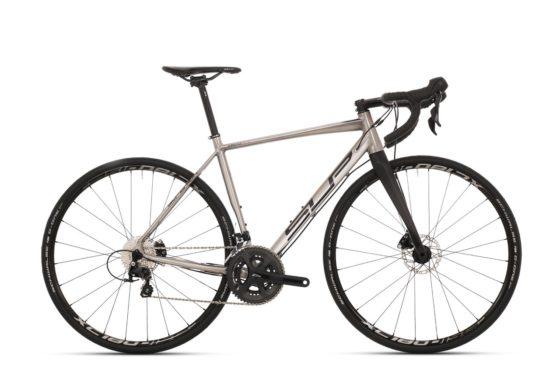 De collectie van Superior is met ongeveer 300 modellen omvangrijk te noemen en bestaat uit grotendeels mountainbikes (hardtail en full suspension), e-MTB's, racefietsen, urban bikes, kinderfietsen. Foto Louis Verwimp