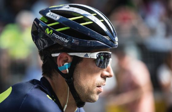 De nieuwe AVENTOR is sinds de start van de Tour de France de officiële helm voor de renners van het Movistar Team, samen met de GameChanger helm. Foto's ABUS