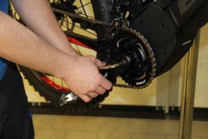 Acculeverancier BMZ zet dealer service op