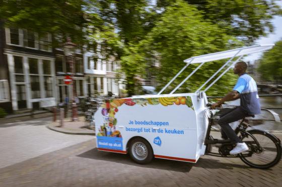 Vanaf 2 juni 2018 start AH met het bezorgen van boodschappen met de elektrische fiets en elektrische bestelbus. Foto Urban Arrow