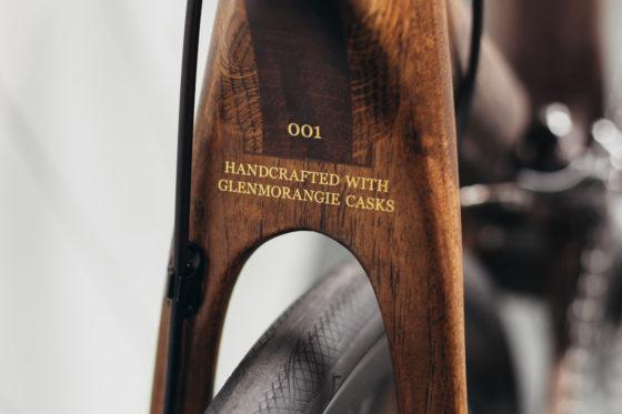 Renovo Hardwood presenteert: de eerste houten fiets gemaakt van het hout van whiskyvaten. Van de Schotse single malt whiskyproducent Glenmorangie. Foto's Renovo Hardwood
