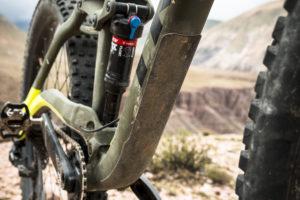 Trek komt met een compleet nieuwe trailbike met 130 mm voor- en achtervering. De Trek Full Stache is medio april beschikbaar en kost € 3.499.